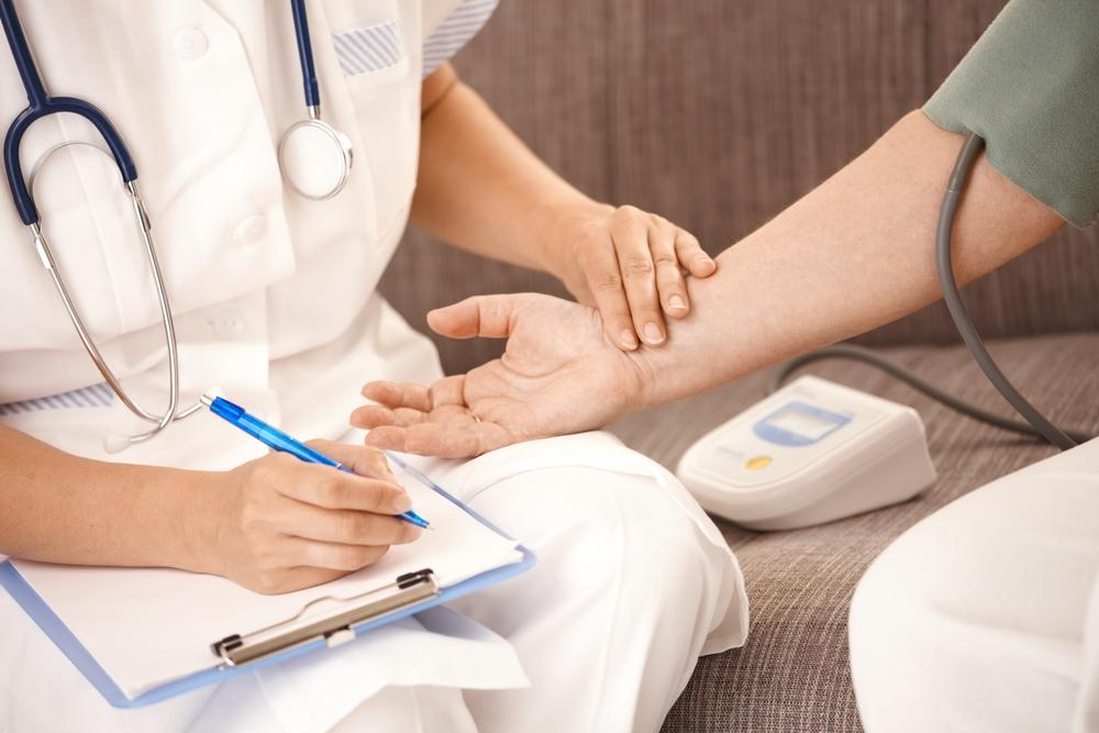 Как снять приступ аритмии в домашних условиях?